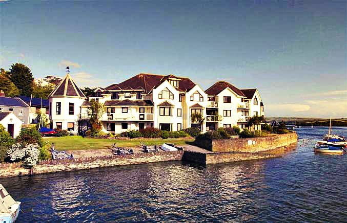Click here for more about 11 The Moorings