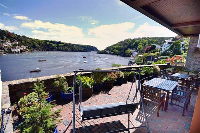Large Cottages Directory Devon Holiday Cottages Sleeping 8 People Or More England Self