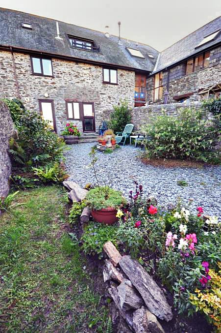 Click here for more about Threshing Cottage Garden Apartment