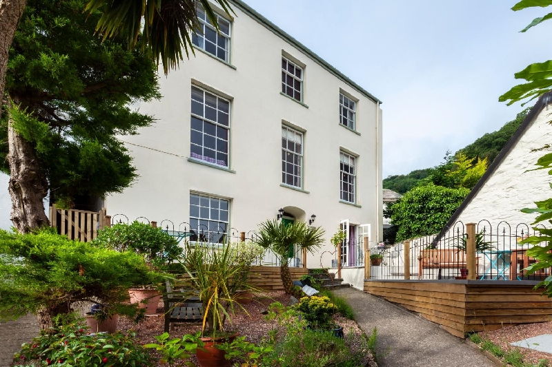 Click here for more about Seaview