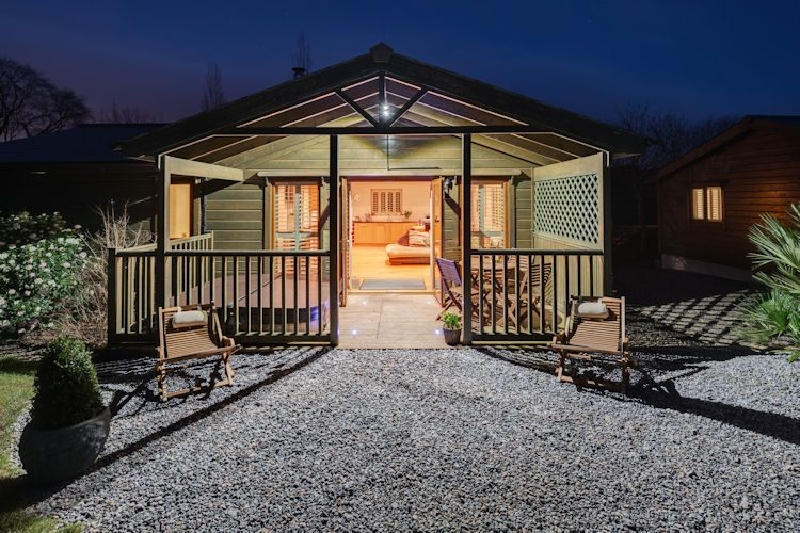 Click here for more about Kingfisher Lodge - South View Lodges