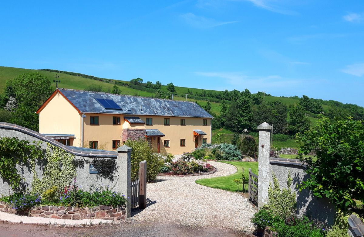Details about a cottage Holiday at Middle Hollacombe Farmhouse