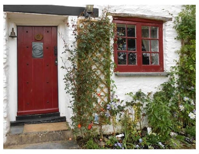 Click here for more about Tuckermarsh Quay River Cottage 2