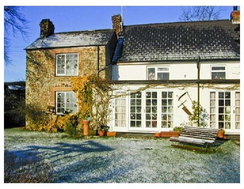 Click here for more about Coles Cottage