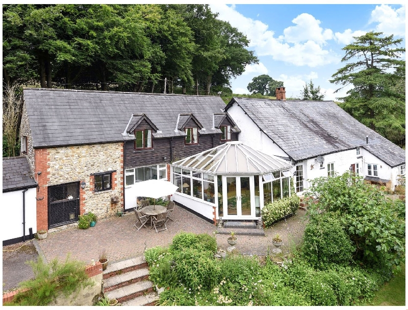 Click here for more about Castle Hill Farm