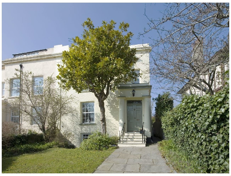 Click here for more about 31 Salterton Road