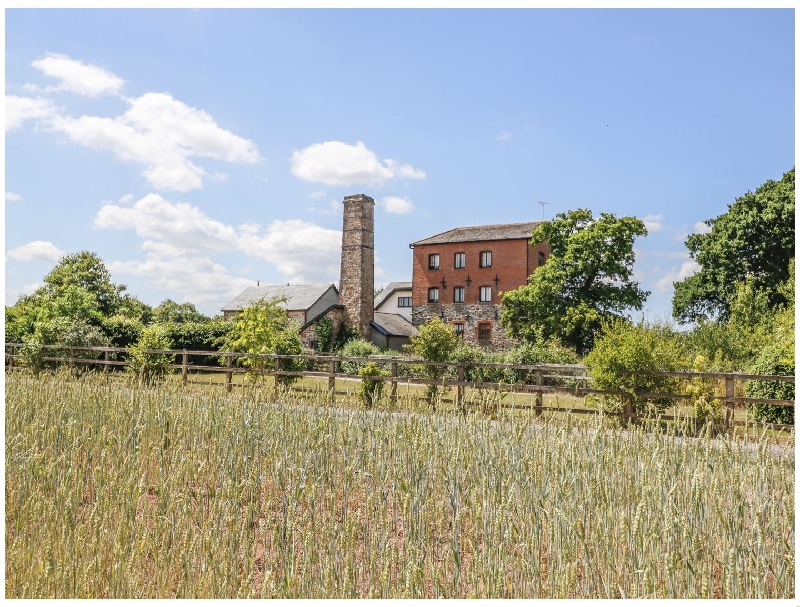 Click here for more about Leat Cottage Newland Mill
