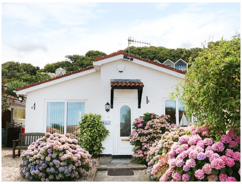 Click here for more about Phoenix Cottage