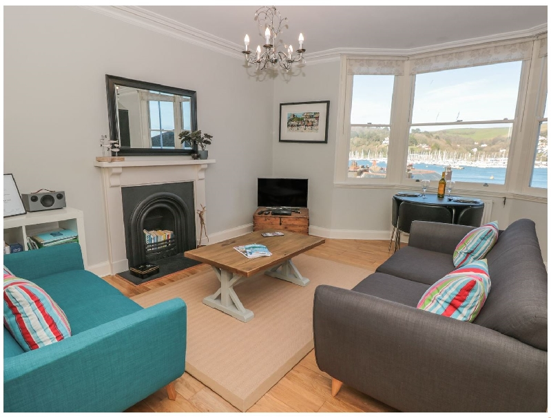 Click here for more about 32 Newcomen Road (Flat 2)