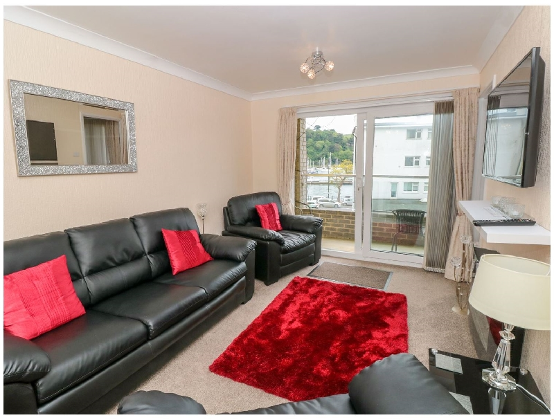 Click here for more about 8 Dartside Court