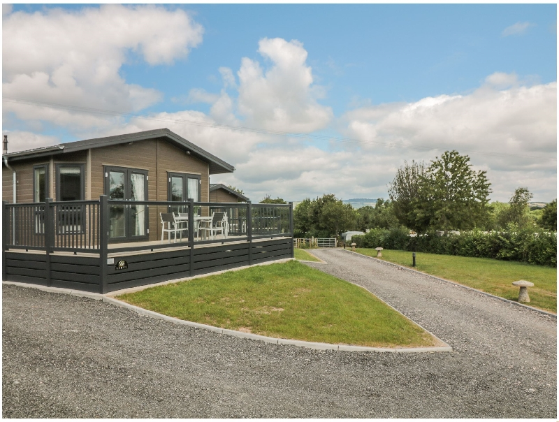 Click here for more about Ash Lodge