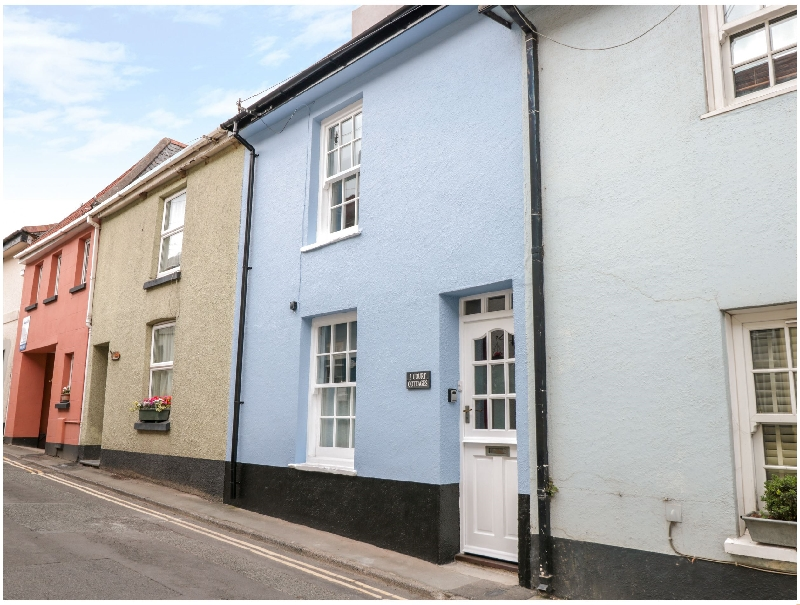 Click here for more about 2 Court Cottages
