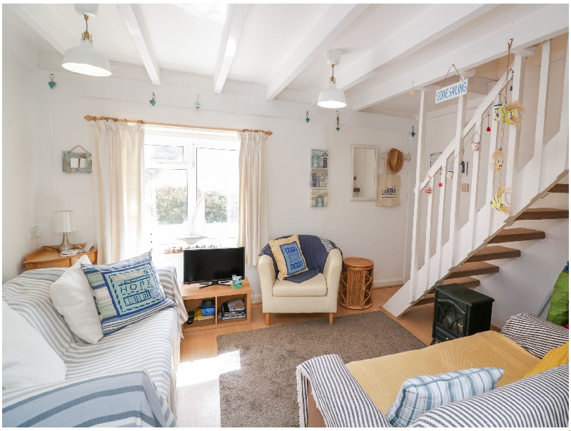 Click here for more about 4 Thornlea Mews