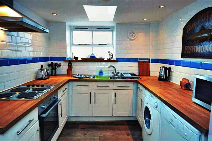 2 Beesands Cottages Pictures