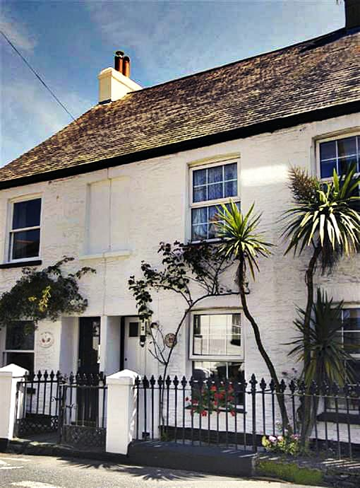 2 Rose Cottages is located in Stoke Fleming