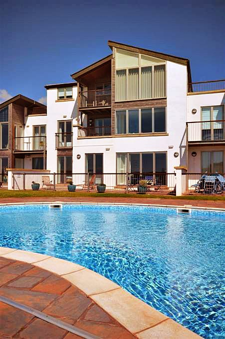 3 Oceans Edge Holiday Cottage