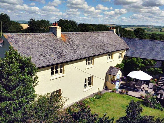 Click here for more about Hingston Farmhouse
