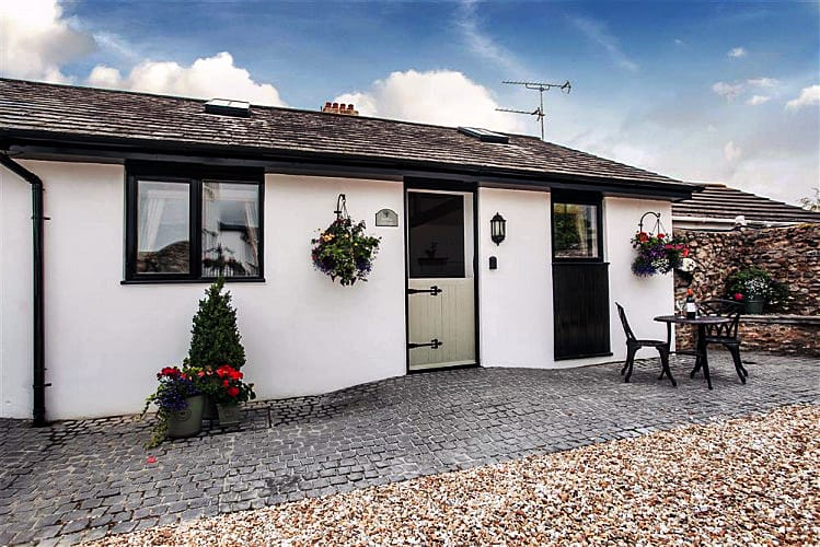Click here for more about Hollie Cottage