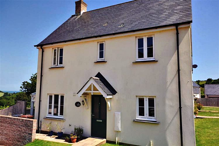 Click here for more about Fuchsia Cottage