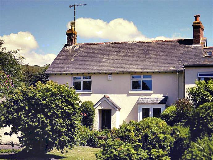 Click here for more about Boathouse Cottage