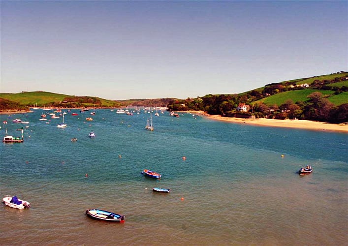 Click here for more about 38 The Salcombe
