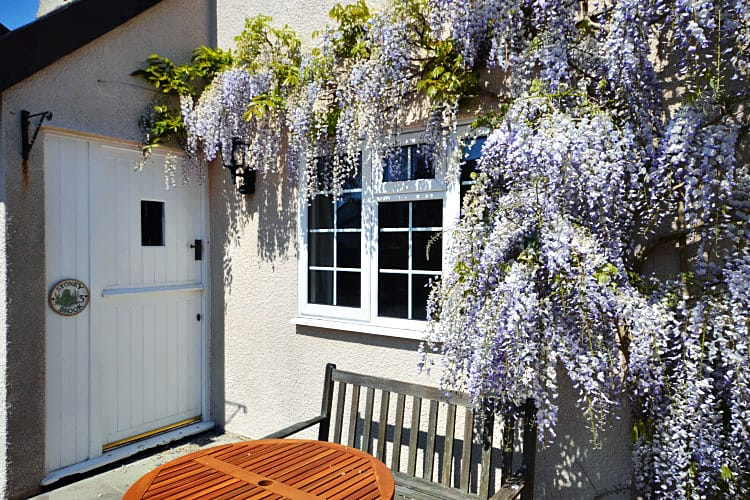 Details about a cottage Holiday at Stoneybrook