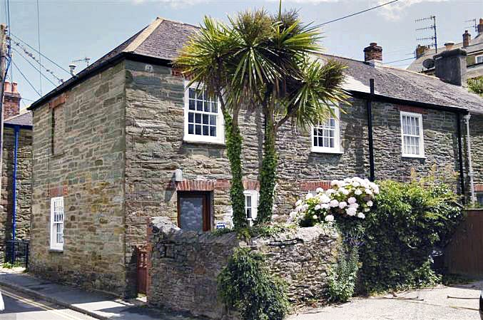Click here for more about Boatman's Cottage