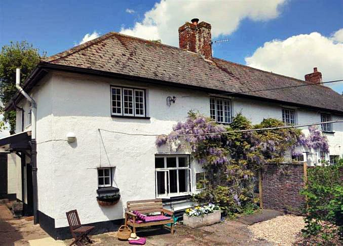 Click here for more about Smallbrook Old Farm