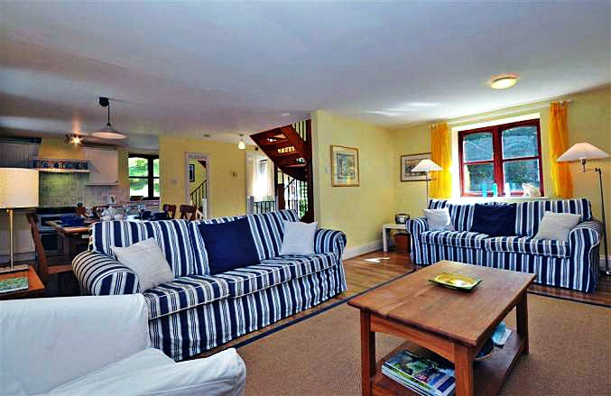1 North Upton Barns is located in Bantham
