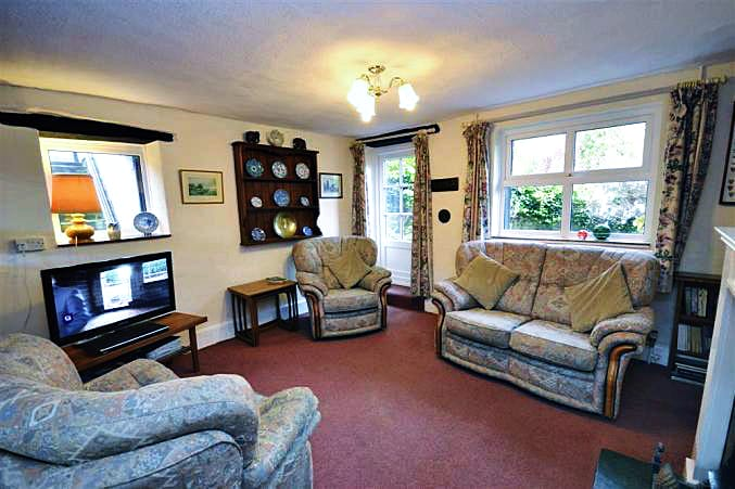 Woodclose Cottage is located in Ilfracombe