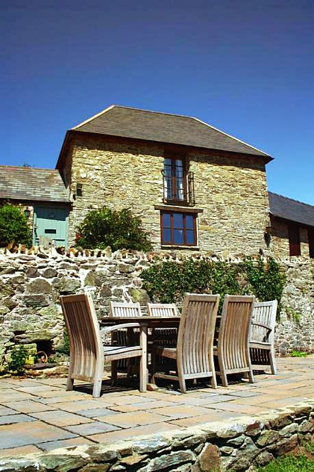Click here for more about Yeomans Cottage